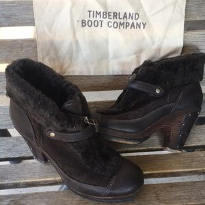 Timberland ladies sheep fur boots size 9